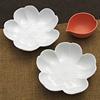 白磁桜小皿